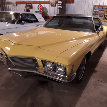 SOLD $8000 1971 Buick Riviera