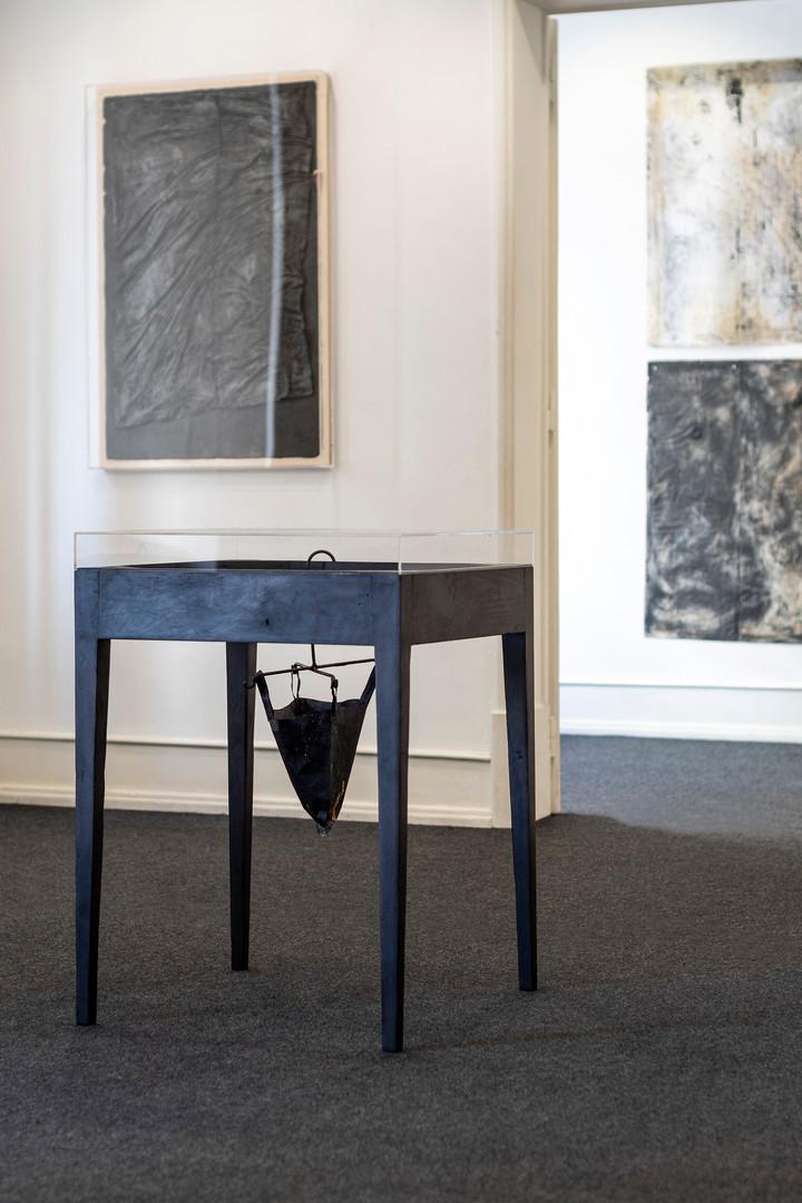 """Vista da exposição """"Com a Mão cheia de Pó"""" de Rita Gaspar Vieira, 2020.  © Eduardo Sousa Ribeiro, 2020"""