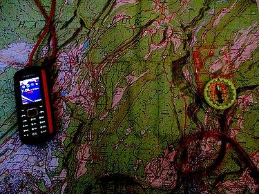 cotact; association; unis vers nature; carte; topographie; orietation; boussole; téléphone; portable; gps; gsm; stage survie