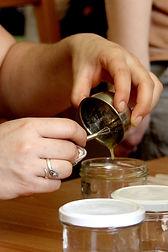 Fabrication cosmétiques naturels, savons maison, produits ménagers Unis Vers Nature