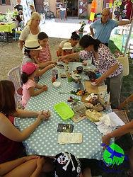 Atelier peinture vegetale, parents-enfants, centre loisirs, pinceaux naturels