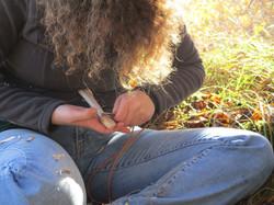 Façonner une cuillère en bois de frêne