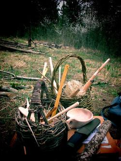 Vannerie sauvage et objets en bois
