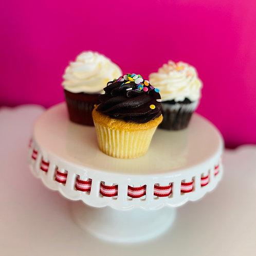 WAYLAND Vanilla & Chocolate Cupcakes