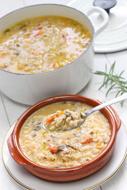 spelt soup, farro soup, italian cuisine.