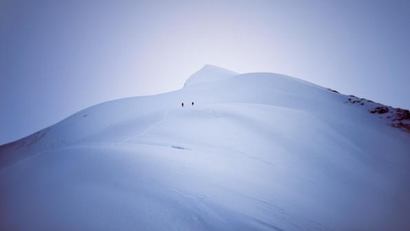 Winter_ridge_walking.jpg