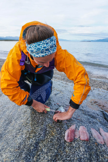 Learning_how_to_fillet_fish_lofoten_evok