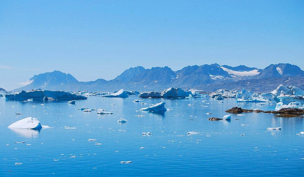 Iceburgs_greenland_evoke_adventure.jpg
