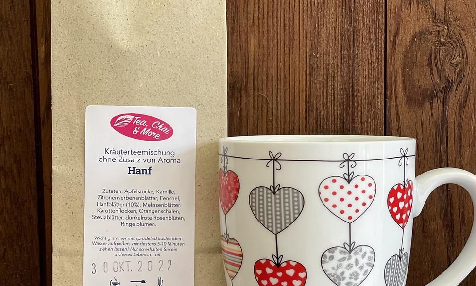 Herzbecher mit Tee