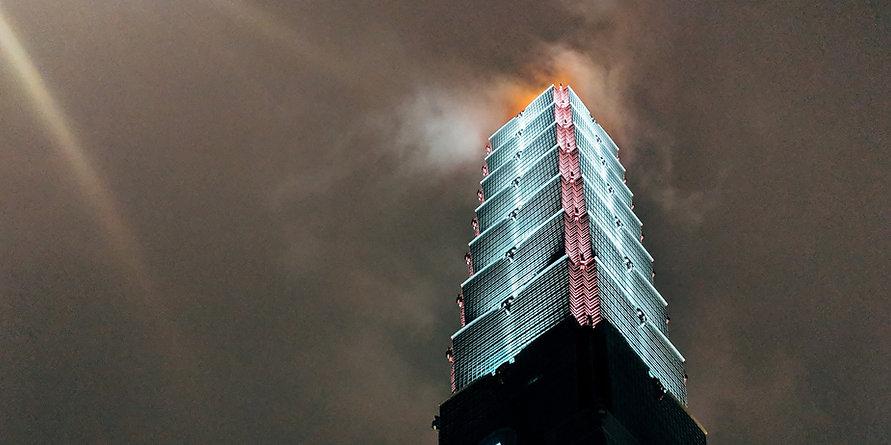 skyscraper-5471540_1920_edited.jpg