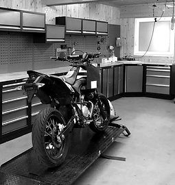 motorradwerkstatt_edited.jpg