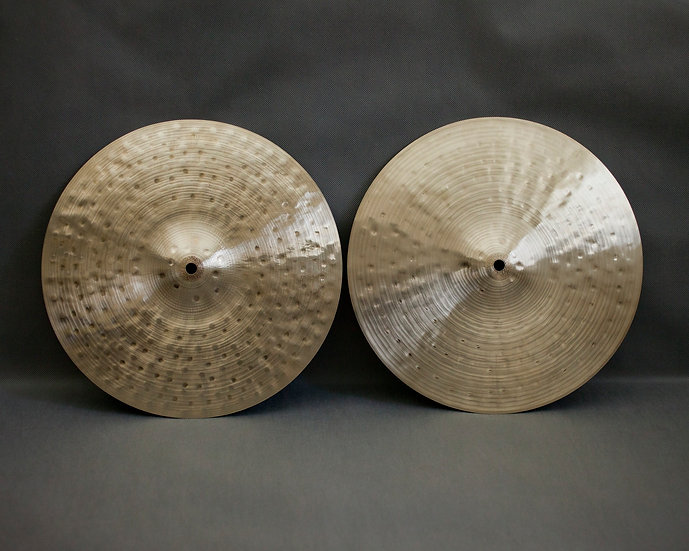 "13,6"" (346mm), Hi-hats 958 / 792 grams B20"