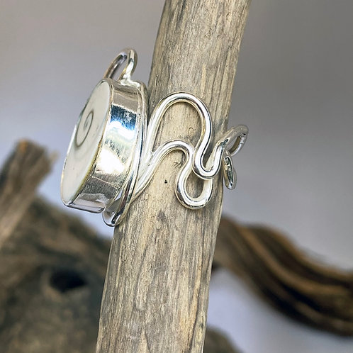Tortile Ring