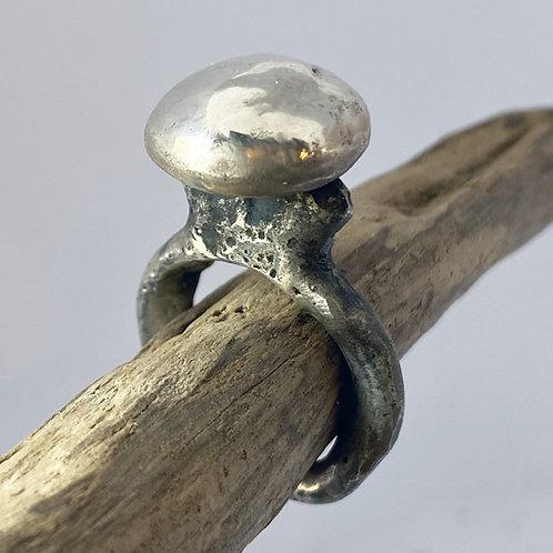 Esbat Ring