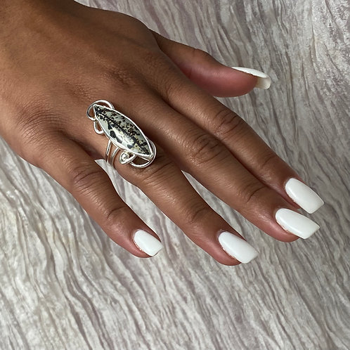 Divergent ring
