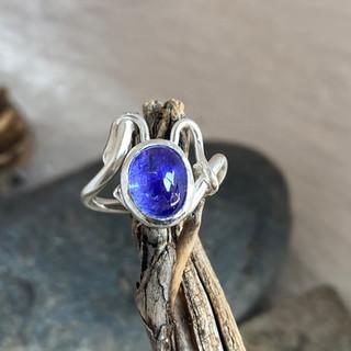 tanzanite ring1.jpg