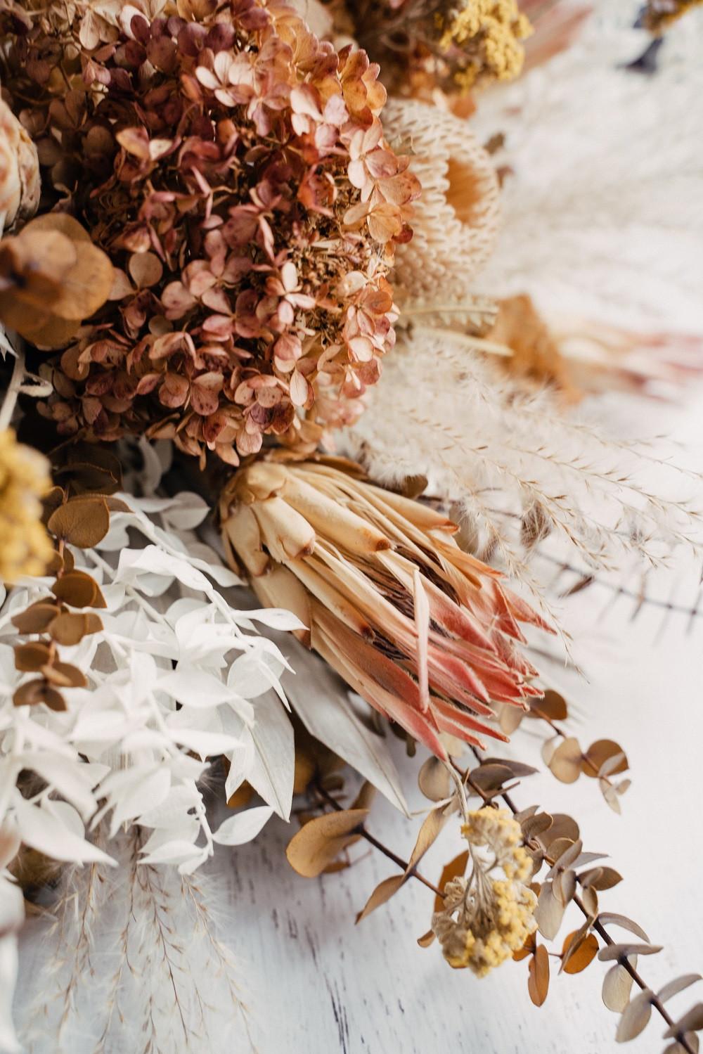 dried flowers for boho wedding by Studio Bloom Iowa