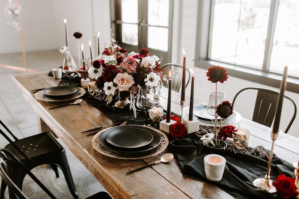 moody winter wedding flowers by Studio Bloom Iowa Cedar Rapids