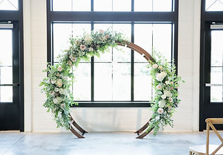 Studio Bloom Iowa flowers wedding moonga