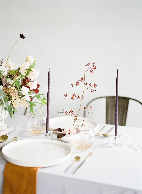 minimalist wedding centerpiece detail by Studio Bloom Iowa wedding florist