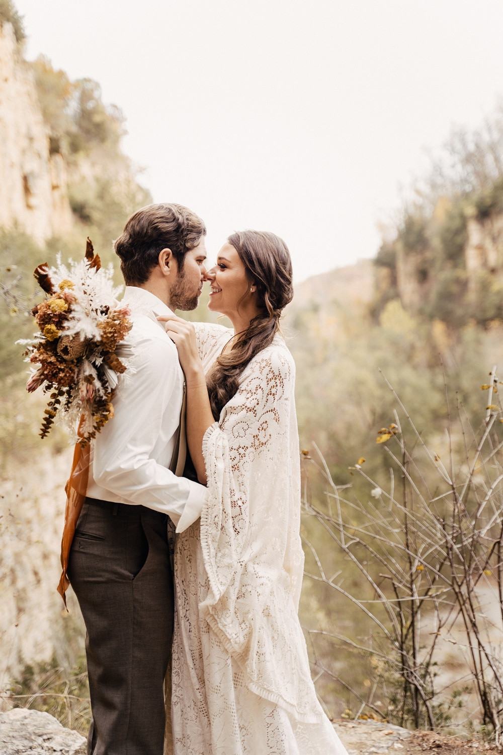 Studio Bloom Iowa boho bride and groom