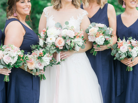 Cheerful Outdoor Wedding at Rapid Creek Cidery | Iowa City, Iowa