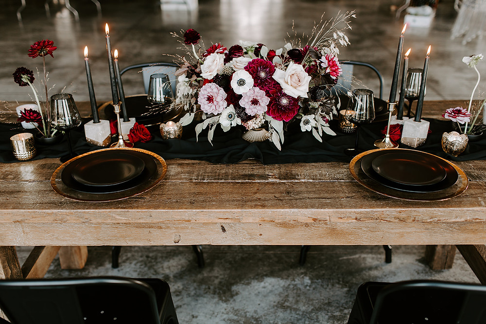 Studio Bloom Iowa moody red and black wedding at Ashton Hill