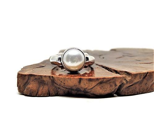 White Freshwater Pearl Ring