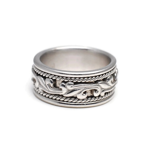 Sculptural Relief Ring with Rope Pattern