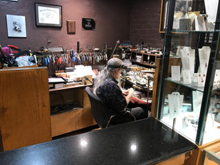 8 Reasons an Independent Jeweler is Better than a Chain Store