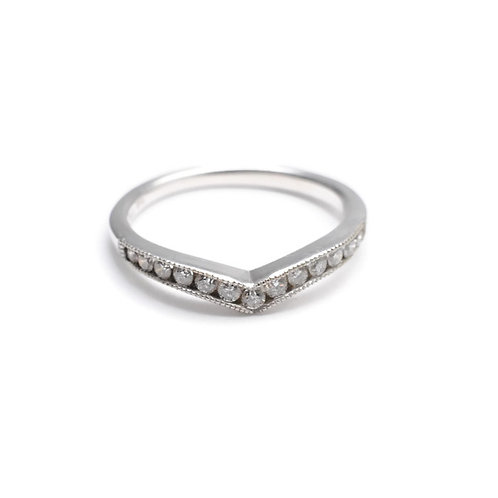V-Shaped Diamond Band