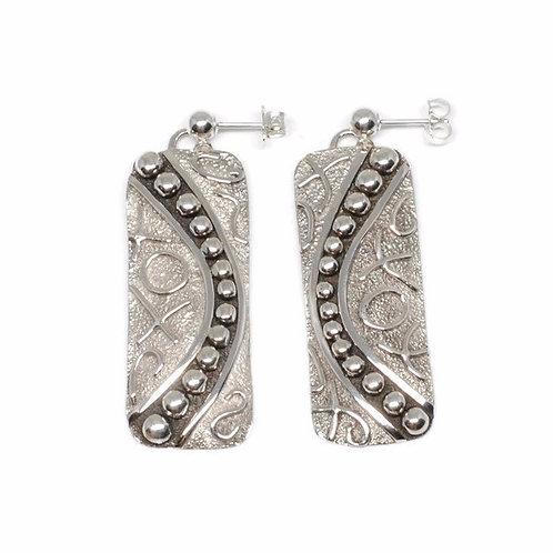 XO Wire Design Earrings by Karl Kunc