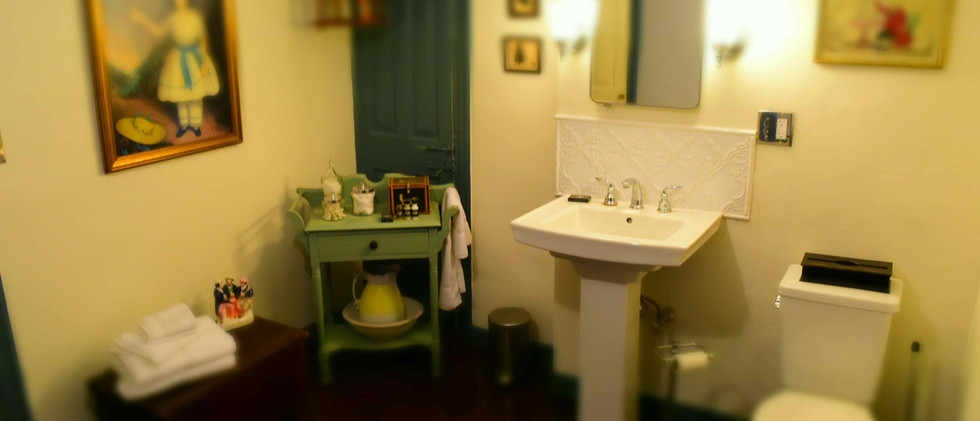 The Daniels House Bed and Breakfast - The Great Room - with Private Ensuite Bathroom