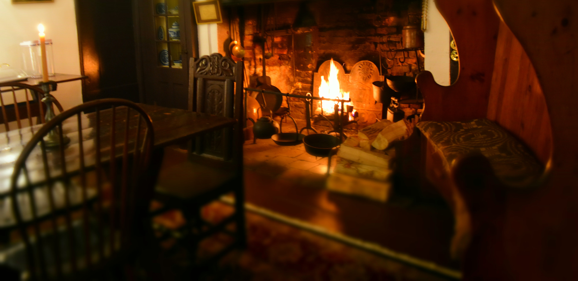 Dining room with Fire