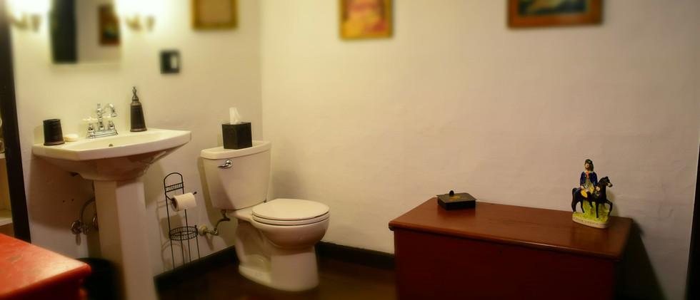 The Daniels House Bed and Breakfast -3rd floor bathrooom