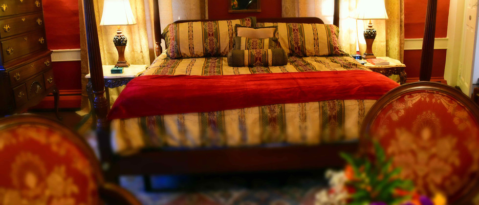 The Daniels House Bed and Breakfast - The Great Room - King Bed