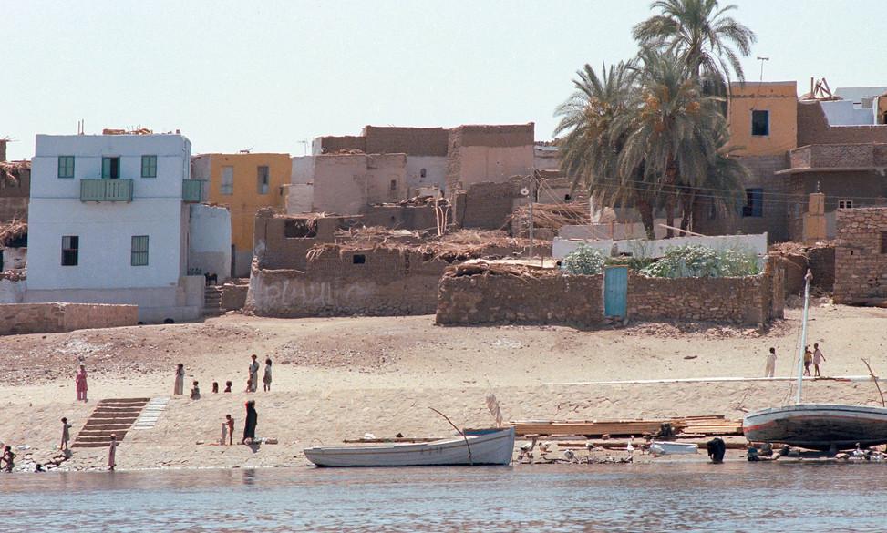 Nile towards Assouan