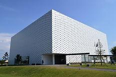 Kanazawa_Umimirai_Library_exterior_ac_(4