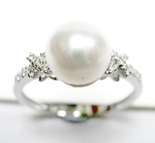 18K WG PEARL DIAMOND RING