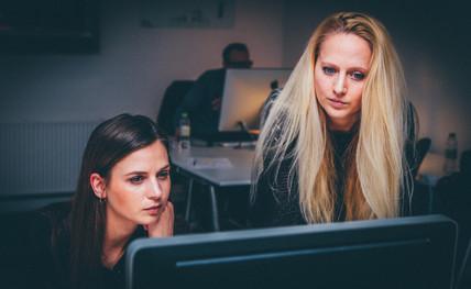 ¿Qué debe contener un CV si buscas prácticas?