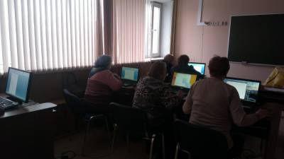 """Обучение людей старшего возраста """"Компьютеру все возрасты покорны"""""""
