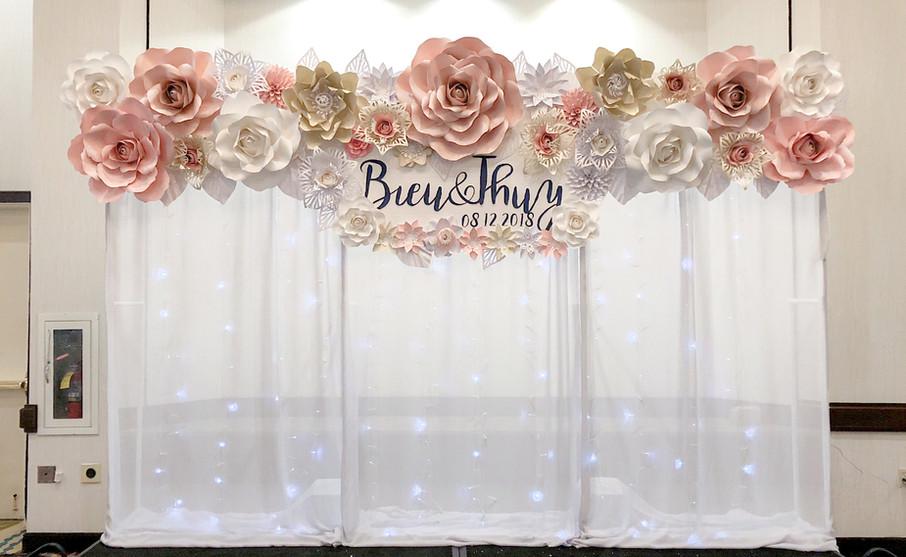 12' x 8' custom flower wall