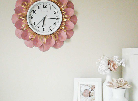How to make a wall clock pretty: DIY decorative paper flower clock | DIY Home decor | Free templates