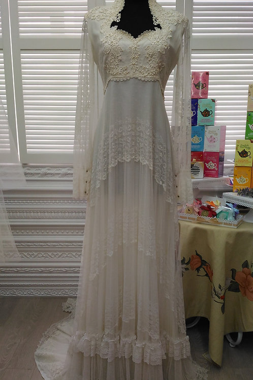 70s Long sleeves off-white vintage wedding gown