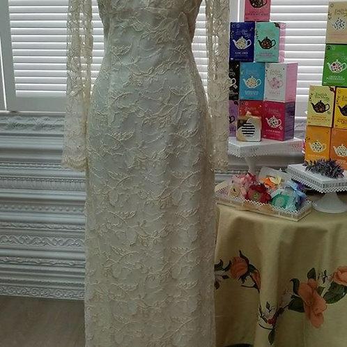 Ivory long sleeves vintage wedding gown