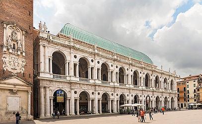 1200px-Basilica_Palladiana_(Vicenza)_-_f