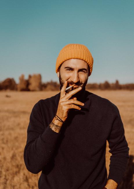 hekim smoking.jpg