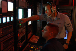 US_Navy_071001-N-7571S-001_Mass_Communication_Specialist_3rd_Class_Nathan_Lockwood,_from_Kenmore,_Wa