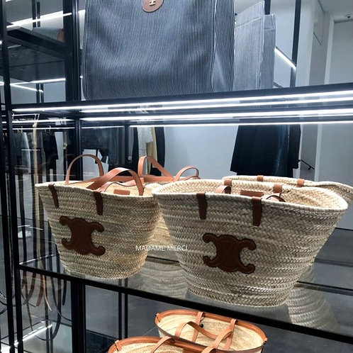 【CELINE】CLASSIC MEDIUM TRIOMPHE BASKET BAG