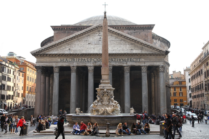 Pantheon_and_Fontana_del_Pantheon.jpg